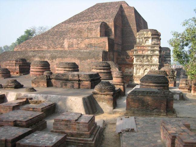 Nalanda_University_India_ruins.jpg