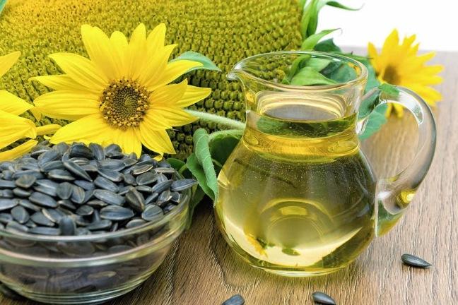sunflower-oil-and-sunflowerspread-jpg